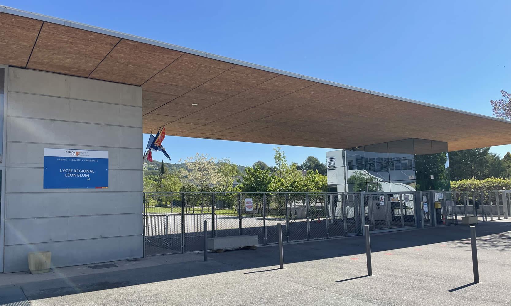 Entrée Lycée Régional Léon Blum